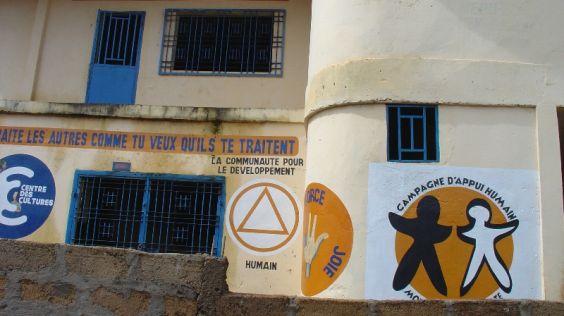 Kampaň na záchranu školy Mahátma Gándhí
