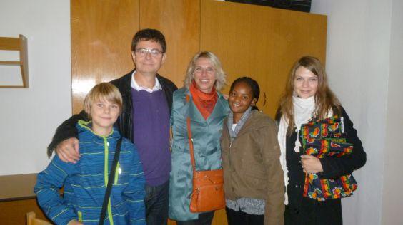 Jan Babka s rodinou a Kadiatou