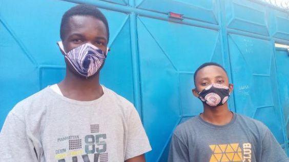 roušky se nosí v Guineji