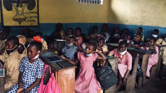 Děti ve škole Salif Keita